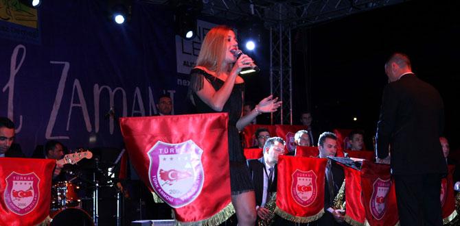 Türk armoni yıldızları hayran bıraktı
