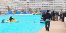 Ünlü aktör Antonio Banderas'tan dev lagünde jet-ski şovu