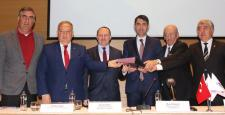 İzmir Alsancak projesi için Emlak Konut GYO ile Tariş Kooperatif Birlikleri arasında protokol imzalandı