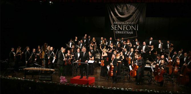 Pınar Köksal besteleri, Türkiye-Japonya Dostluk Haftası Konseri'nde Antalyalı sanatseverlerle buluştu