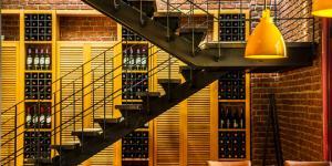Restaurant ve cafe duvarlarının dili olsa, malzemenin birlikteliğinden bahseder…