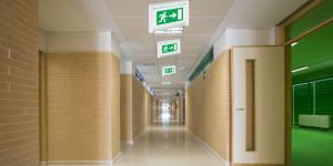Legrand LED'li emniyet aydınlatma armatürleri ile güvenliğiniz emin ellerde…