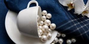 Şıklığı zarafetle buluşturan Fine Pearl, inci formundaki tasarımıyla sofralarınızda…
