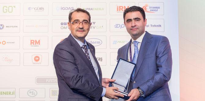 SOCAR Türkiye, 8. Türkiye Enerji Zirvesi'nde 'Altın Vana' ödülüne layık görüldü…