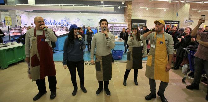 ENBE Orkestrası tenorları ve sopranoları, ilk kez bir markette opera söyledi…