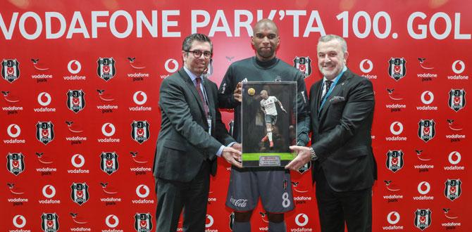 Beşiktaş, Vodafone Park'taki 100. golünü kutladı…