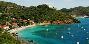 Karayipler tropik ve egzotik mavi bir rüyaya çağırıyor…
