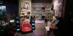 Reebok pop-up mağaza 90'lara götürüyor!