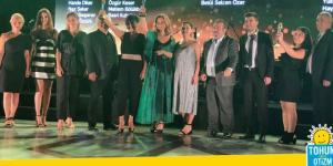 """Tohum Otizm Vakfı'na """"Altın Sosyal Baykuş"""" ödülü…"""