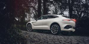 """Aston Martin'in İlk """"SUV""""u DBX Türkiye'deki sahiplerine kavuşuyor"""
