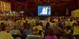Yaz akşamları açık hava sineması ile renklendi…